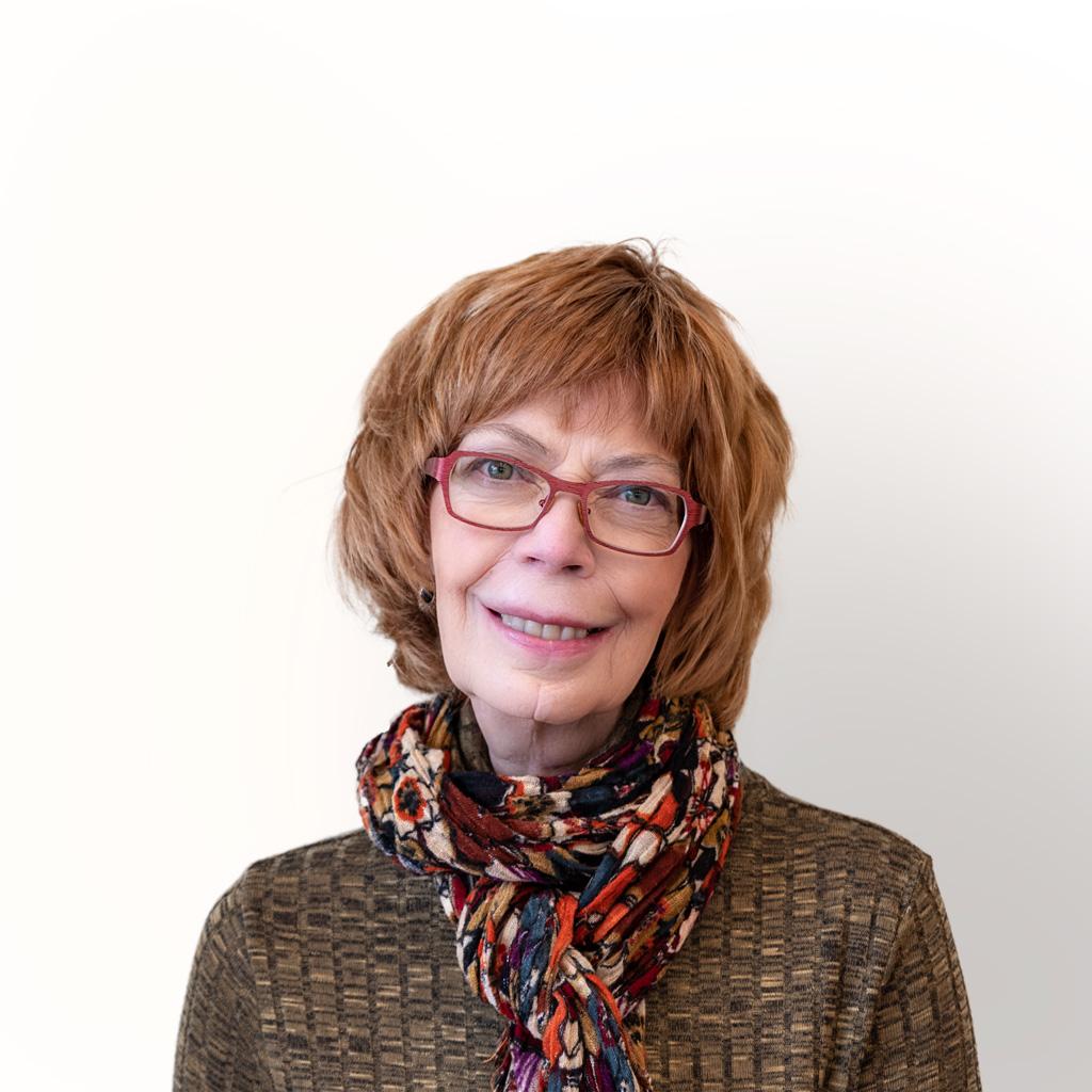 Debbie Hall-Lavoie